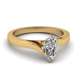 Twisted Single Diamond Ring