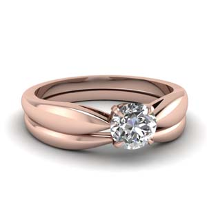 Tapered Bow Wedding Ring Set