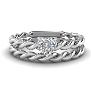 Single Diamond Twisted Ring With Band