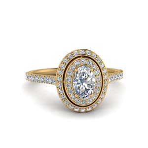 Halo Diamond Ring With Oval