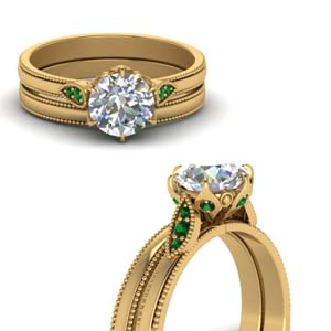 Round Cut Milgrain Simple Diamond Wedding Set With Emerald In 18K Yellow Gold
