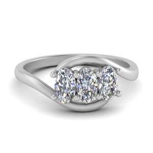 3 Stone Oval Shaped Engagement Rings