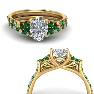 Emerald Accent Stone Bridal Ring Set