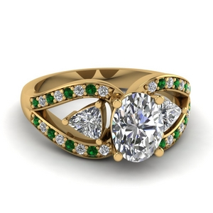 Emerald Vintage Engagement Ring
