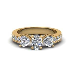 3 Stone Diamond Ring 2 Carat
