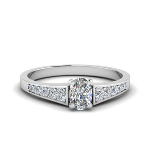Cushion Petite Engagement Rings