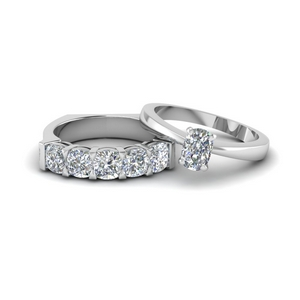 Cushion Cut Diamond Ring Sets In White Gold