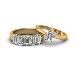 Emerald Cut Solitaire Ring With 5 Stone Band