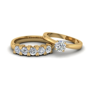 Round Cut Diamond Wedding Ring Sets