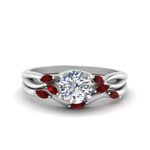 Round Cut Diamond Wedding Ring Set