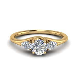 Three Stone Ring 18K Gold