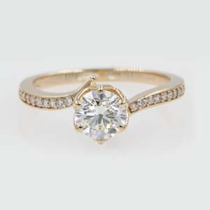 1 Carat Diamond Flower Prong Ring