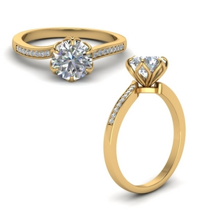 1 Carat Flower Prong Diamond Ring