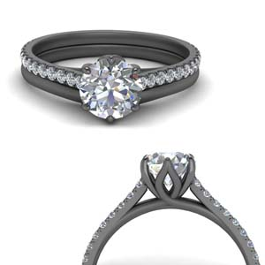 Round Diamond Ring With Plain Band