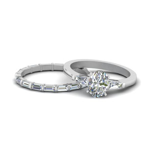 Oval Shaped diamond Wedding Set