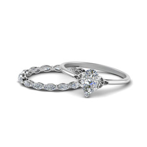 Pear Shaped White Gold Ring Set