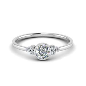 Delicate Round Cut Ring In Platinum