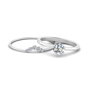 Solitaire Ring With Curved Thin Band