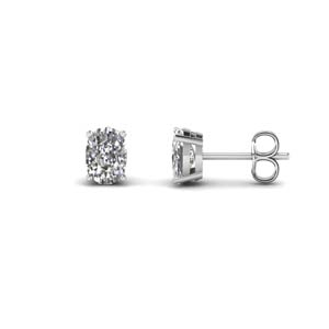 Cushion Cut Diamond Stud Earring