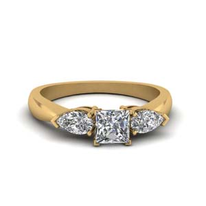 Princess Diamond Ring 3 Stone