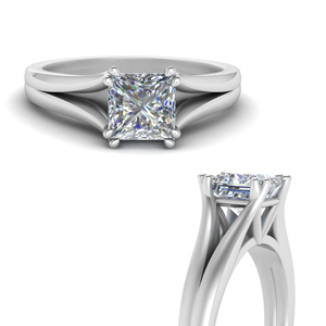 Double Prong Ring In 18K White Gold