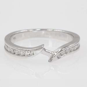 Diamond Swirl Contour Wedding Band