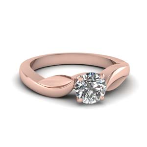 Delicate Round Shaped Solitaire Ring
