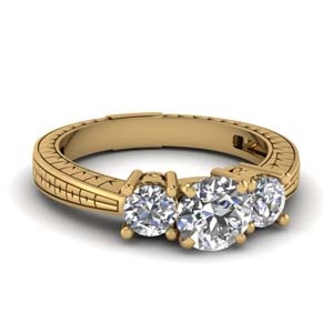 Three Round Diamond Ring