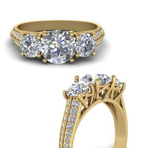 3 Stone Pave Diamond Ring