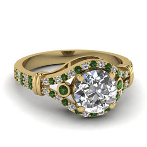 Emerald Ring In 18K Yellow Gold