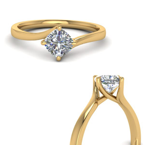 Gold Kite Set Swirl Diamond Ring