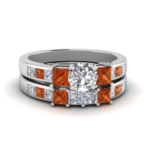 Accent Round Diamond Wedding Set