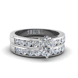 Pear Shaped Diamond Wedding Set