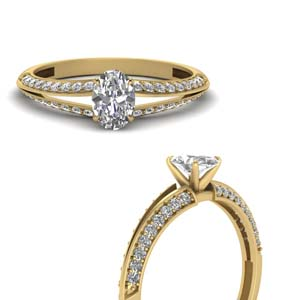 Yellow Gold Oval Diamond Ring