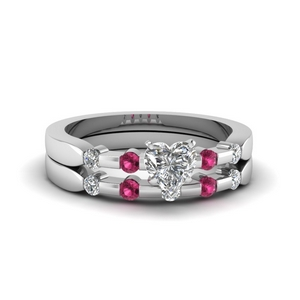 Heart Shaped Wedding Ring Set
