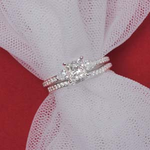 Accent 3 Stone Bridal Set