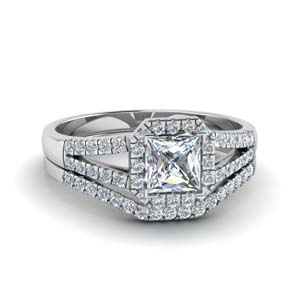 Halo Diamond Ring Set In White Gold