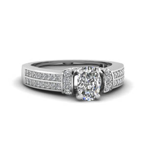 Engagement Ring With Cushion Cut