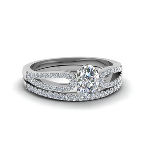 Oval Diamond Ring With Band