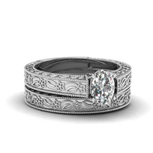 Oval Diamond Solitaire Wedding Set