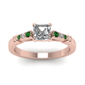 asscher-cut-diamond-duet-bar-side-stone-ring-with-green-emerald-in-18K-rose-gold-FDENS363ASRGEMGRANGLE5-NL-RG