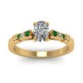 cushion-cut-diamond-duet-bar-side-stone-ring-with-green-emerald-in-18K-yellow-gold-FDENS363CURGEMGRANGLE5-NL-YG