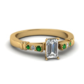 emerald-cut-diamond-duet-bar-side-stone-ring-with-green-emerald-in-18K-yellow-gold-FDENS363EMRGEMGR-NL-YG