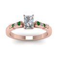 radiant-cut-diamond-duet-bar-side-stone-ring-with-green-emerald-in-18K-rose-gold-FDENS363RARGEMGRANGLE5-NL-RG