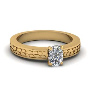 Cushion Diamond Craved Ring