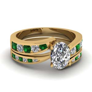 Oval Diamond Emerald Bridal Set