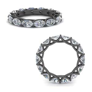 Trellis 3.50 Ct. Oval Diamond Black Gold Band