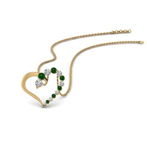 18K Gold Pendant With Emerald