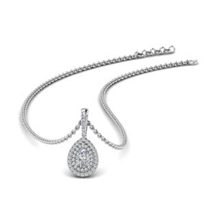 Beautiful Halo Diamond Pendant